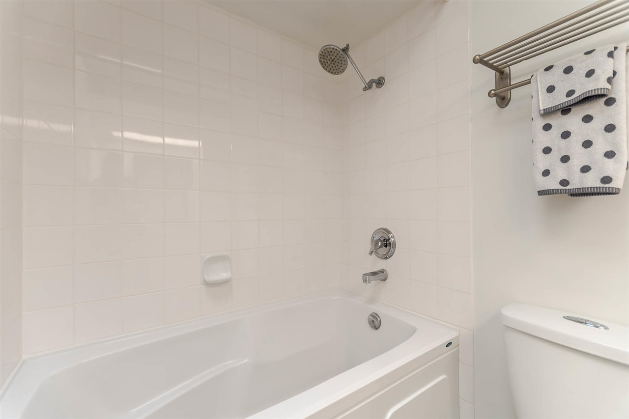 "Photo 14: 307 2277 MCGILL Street in Vancouver: Hastings Condo for sale in ""LANDMARK TERRACE"" (Vancouver East)  : MLS® # R2203911"