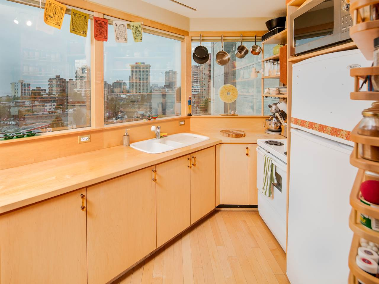 "Photo 10: 707 1177 HORNBY Street in Vancouver: Downtown VW Condo for sale in ""London Place"" (Vancouver West)  : MLS® # R2204274"