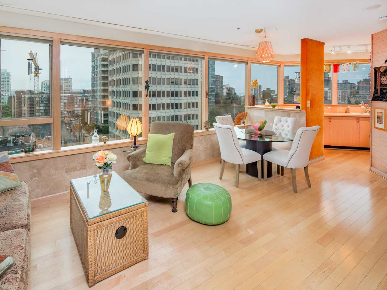 "Photo 1: 707 1177 HORNBY Street in Vancouver: Downtown VW Condo for sale in ""London Place"" (Vancouver West)  : MLS® # R2204274"