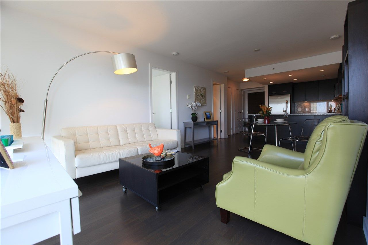 "Photo 3: Photos: 1801 1455 GEORGE Street: White Rock Condo for sale in ""AVRA"" (South Surrey White Rock)  : MLS® # R2214891"