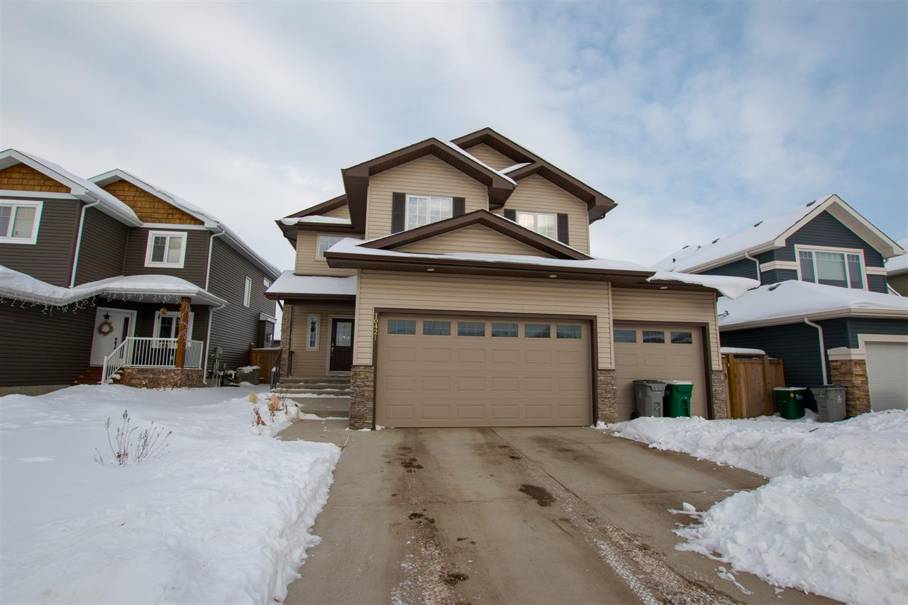 Main Photo: 10421 97 Street: Morinville House for sale : MLS® # E4096348
