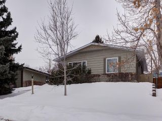 Main Photo: 2219 CHICOUTIMI Drive NW in Calgary: Charleswood House for sale : MLS® # C4170858