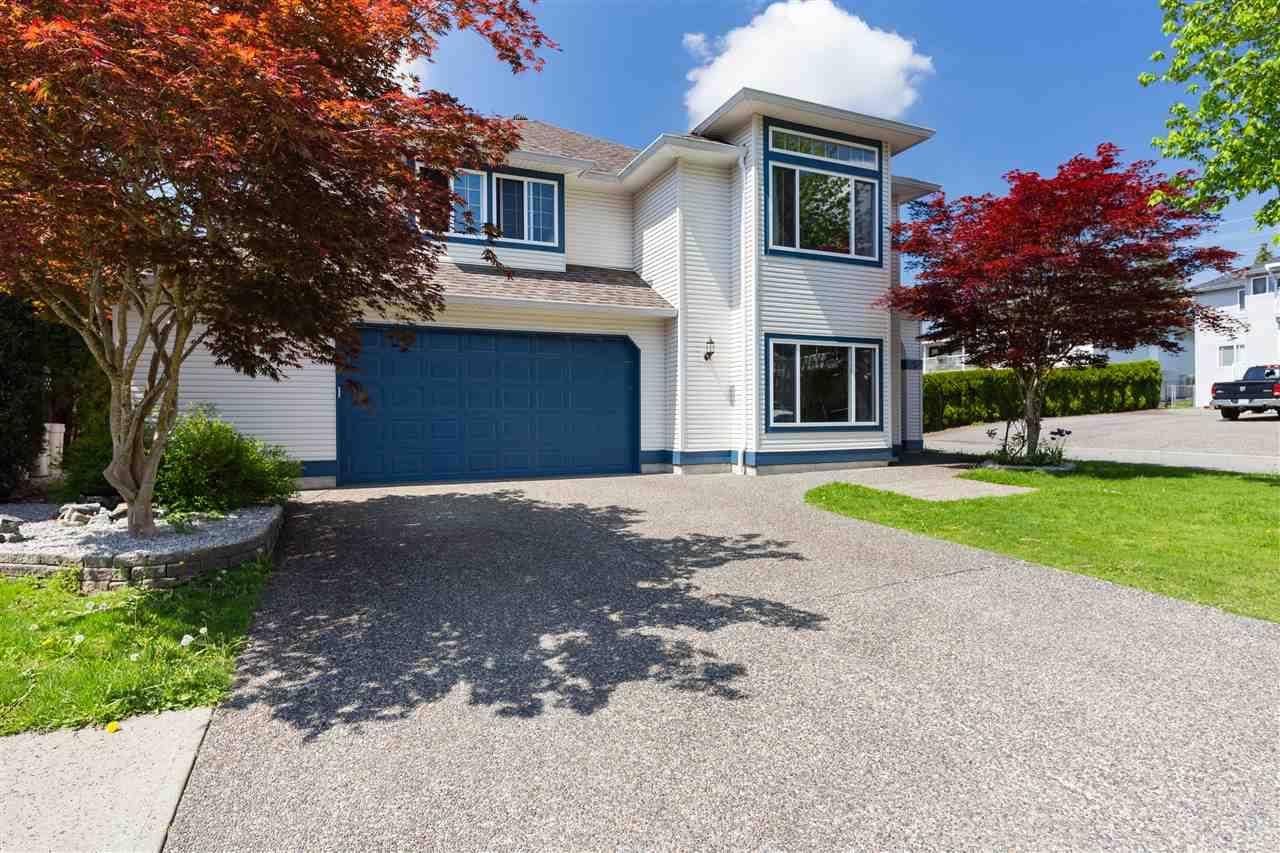Main Photo: 11975 249A Street in Maple Ridge: Websters Corners House for sale : MLS®# R2268233