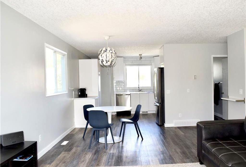 Main Photo: 36 Bermondsey Way NW in Calgary: Beddington Heights House for sale : MLS®# C4189129