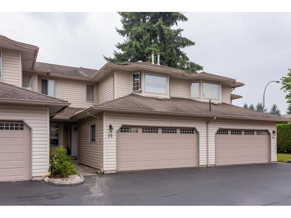 Main Photo: 25 12268 189A Street in Pitt Meadows: Central Meadows Townhouse for sale : MLS®# R2299824