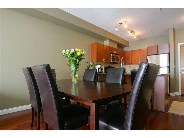Photo 4: 205 2346 MCALLISTER Avenue in Port Coquitlam: Central Pt Coquitlam Condo for sale : MLS(r) # V894924