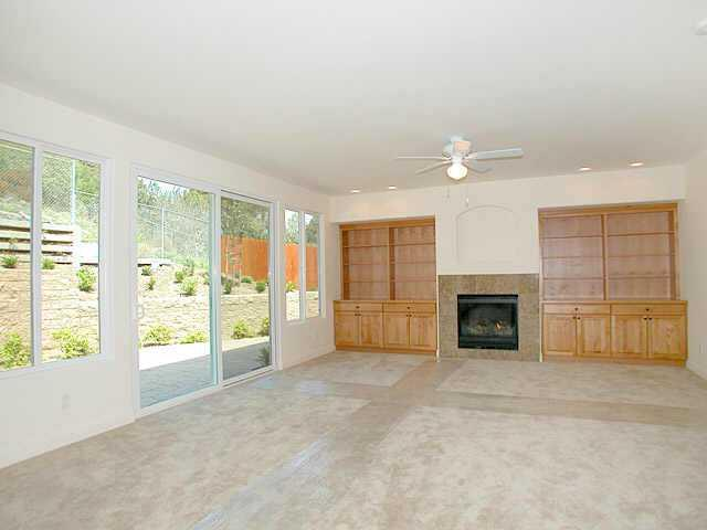 Photo 4: PACIFIC BEACH Home for sale or rent : 4 bedrooms : 1820 Malden