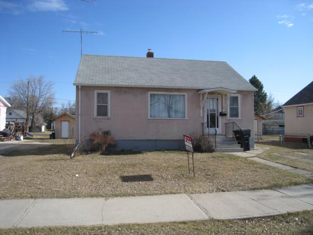 Main Photo: 220 2nd Avenue Northeast in DAUPHIN: Manitoba Other Residential for sale : MLS® # 1200580