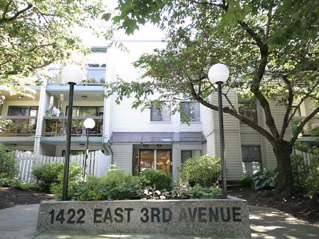 Main Photo: 210 1422 E 3RD Avenue in Vancouver: Grandview VE Condo for sale (Vancouver East)  : MLS® # V969197