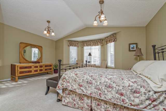 Photo 13: 278 VALLEY BROOK CIR NW in Calgary: Valley Ridge Residential Detached Single Family  : MLS(r) # C3639142