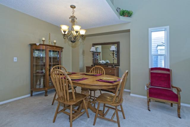 Photo 4: 278 VALLEY BROOK CIR NW in Calgary: Valley Ridge Residential Detached Single Family  : MLS(r) # C3639142