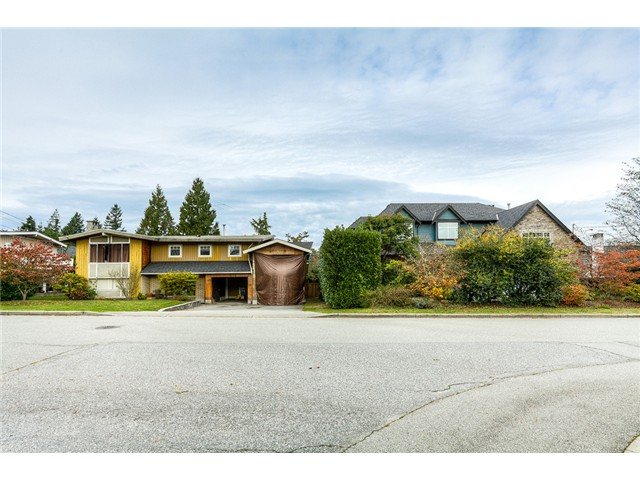 Photo 11: 1853 WINSLOW Avenue in Coquitlam: Central Coquitlam House for sale : MLS® # V1092003
