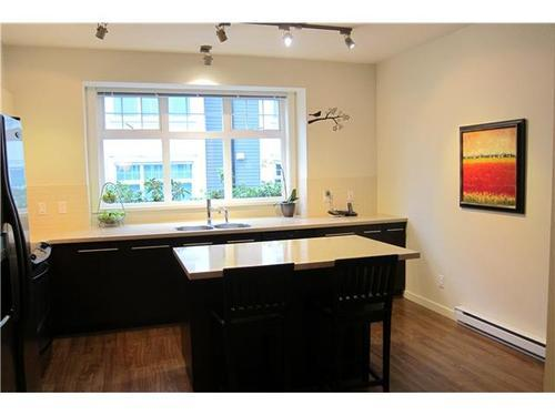 Photo 5: 3758 WELWYN Street in Vancouver East: Victoria VE Home for sale ()  : MLS® # V915056
