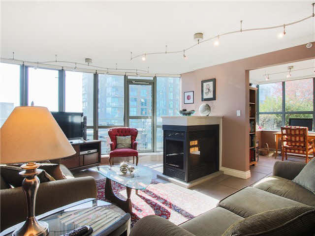 "Main Photo: 703 1128 QUEBEC Street in Vancouver: Mount Pleasant VE Condo for sale in ""The National"" (Vancouver East)  : MLS® # V1138628"