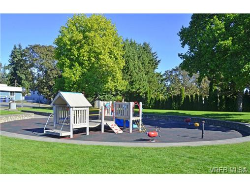Main Photo: 14 2771 Spencer Road in VICTORIA: La Langford Proper Townhouse for sale (Langford)  : MLS® # 359111