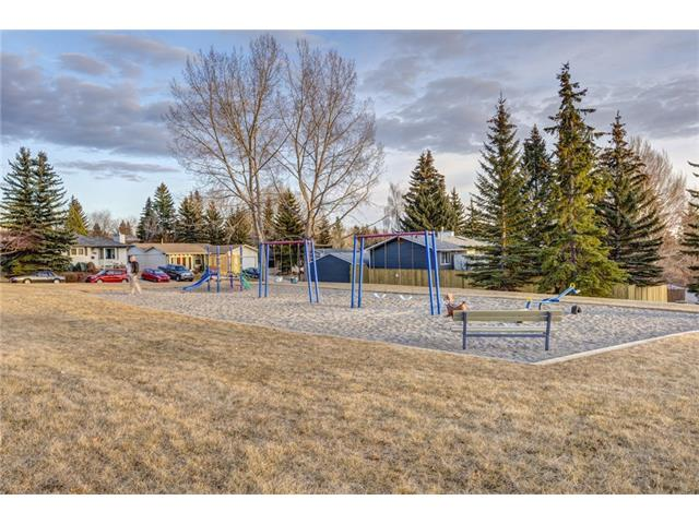 Photo 27: 5844 DALCASTLE Crescent NW in Calgary: Dalhousie House for sale : MLS(r) # C4053124