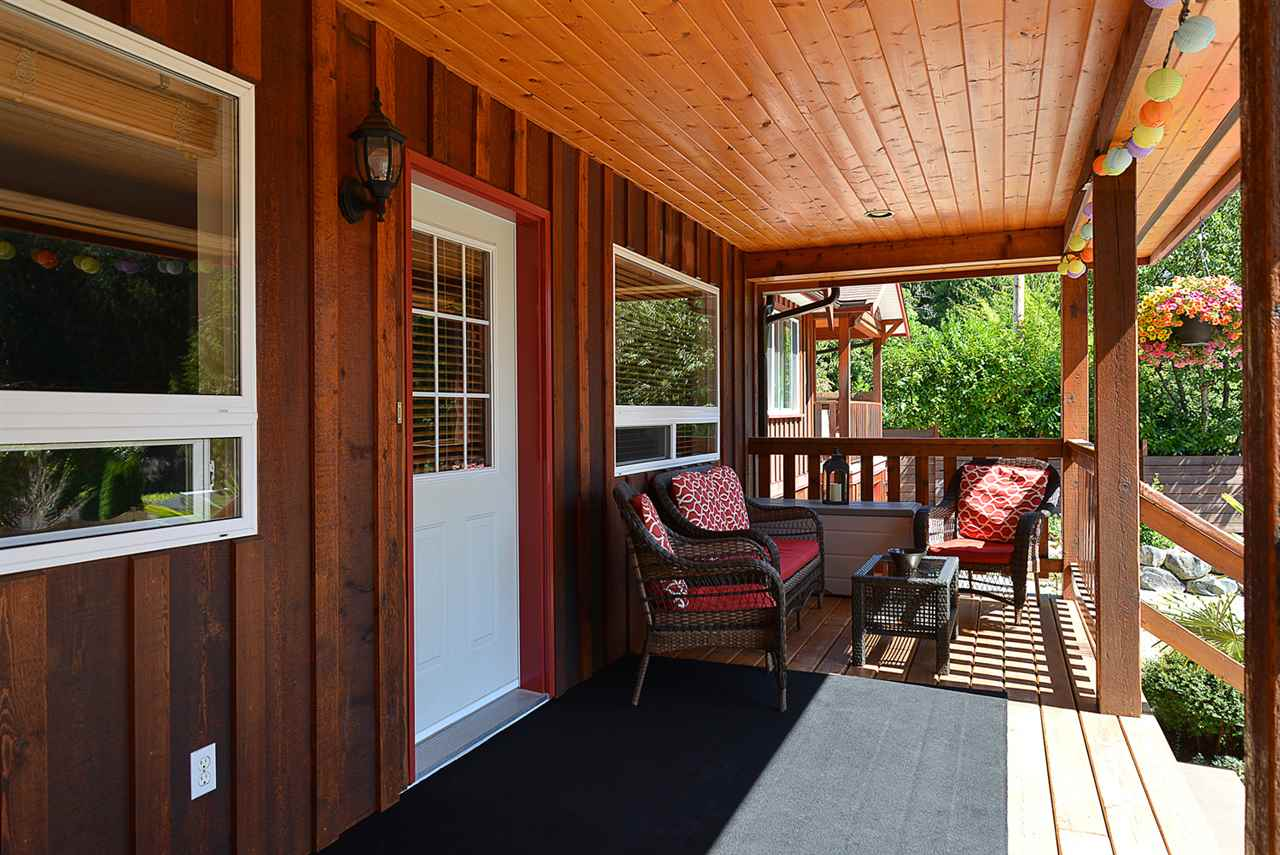 Main Photo: 2836 LOWER Road: Roberts Creek House for sale (Sunshine Coast)  : MLS(r) # R2099774