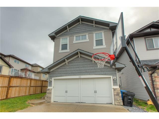 Photo 2: 23 SHERWOOD Crescent NW in Calgary: Sherwood House for sale : MLS® # C4082788