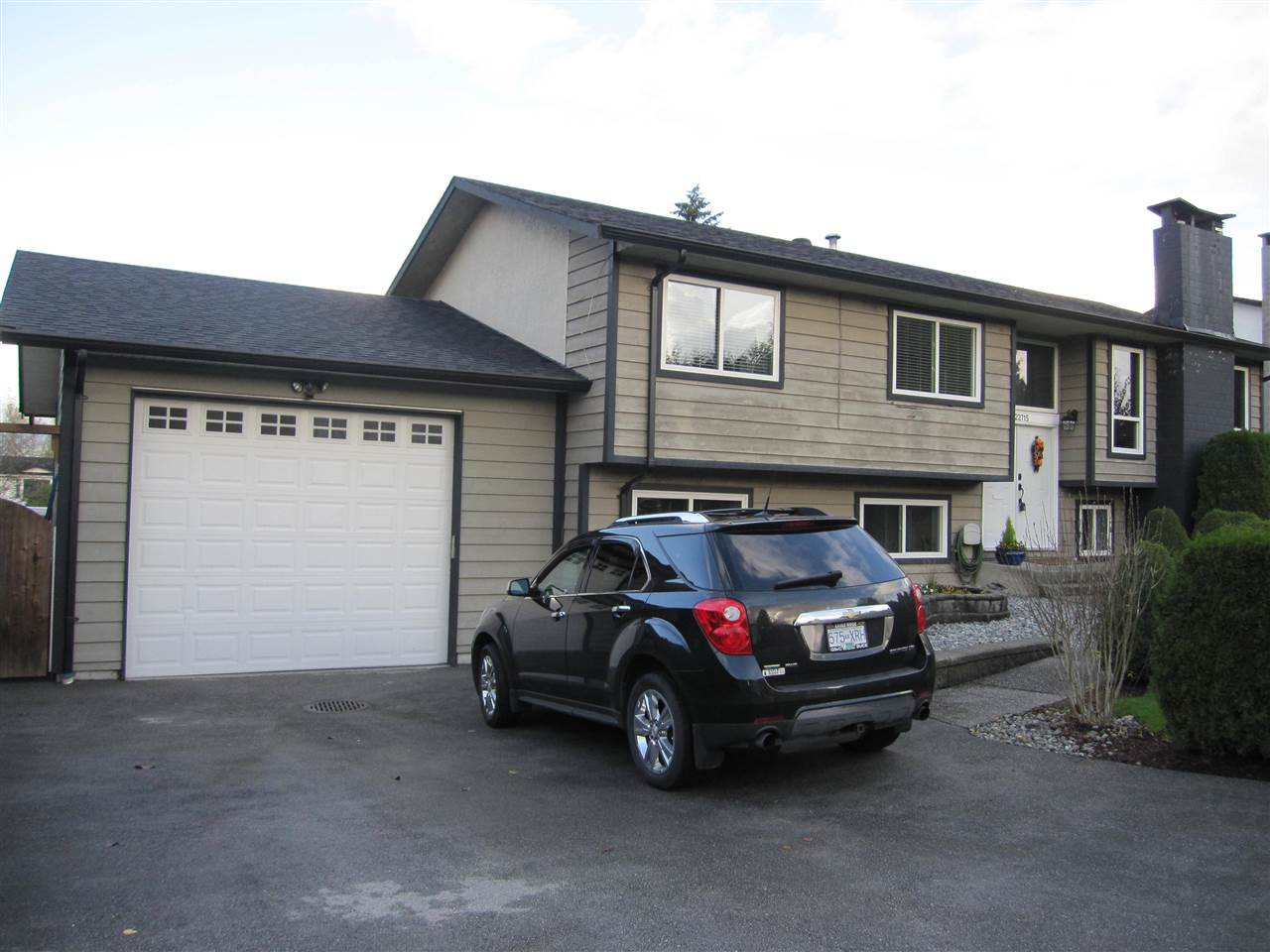 Main Photo: 22715 124 Avenue in Maple Ridge: East Central House for sale : MLS® # R2123558