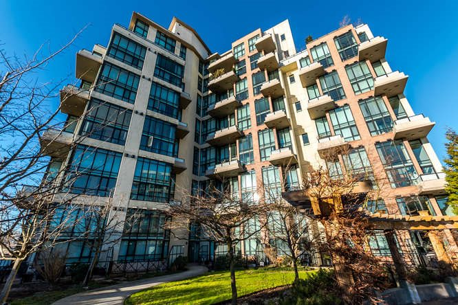 "Photo 17: 103 7 RIALTO Court in New Westminster: Quay Condo for sale in ""MURANO LOFTS"" : MLS® # R2131178"
