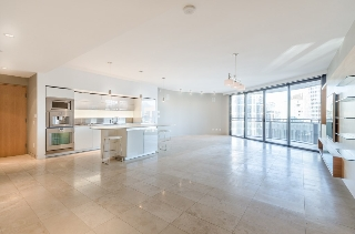 "Main Photo: 2206 838 W HASTINGS Street in Vancouver: Downtown VW Condo for sale in ""Jameson House"" (Vancouver West)  : MLS®# R2133818"