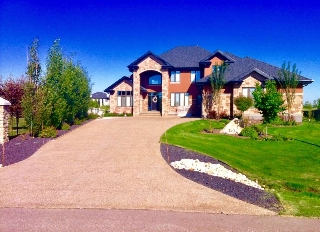 Main Photo: 323 Estate Way Close: Rural Sturgeon County House for sale : MLS® # E4055304