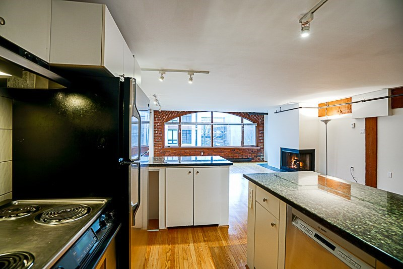 "Photo 7: 5-3 550 BEATTY Street in Vancouver: Downtown VW Condo for sale in ""550 BEATTY"" (Vancouver West)  : MLS(r) # R2165653"