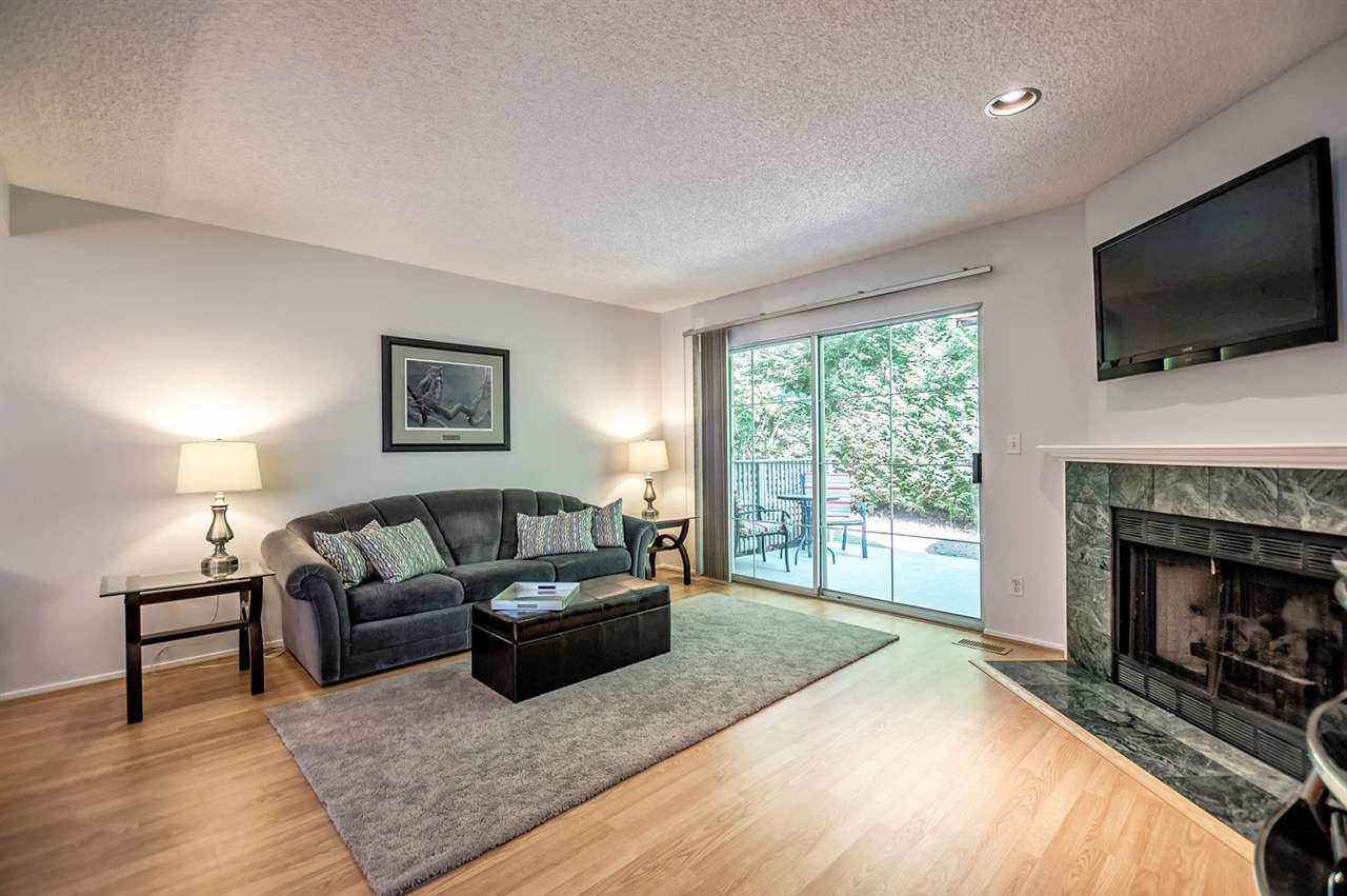 Photo 4: 9263 GOLDHURST TERRACE in Burnaby: Forest Hills BN Townhouse for sale (Burnaby North)  : MLS(r) # R2171039
