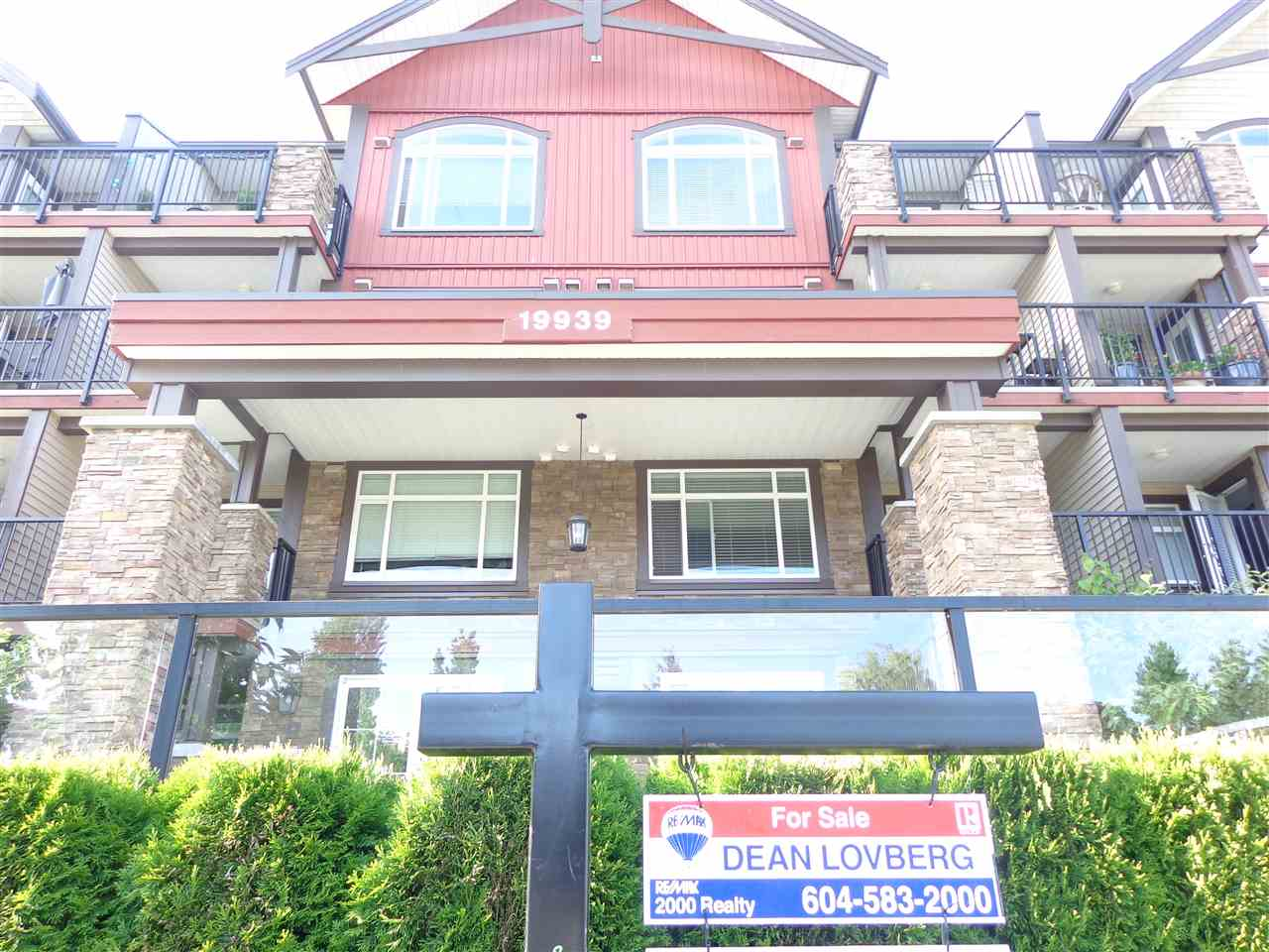 "Main Photo: 307 19939 55A Avenue in Langley: Langley City Condo for sale in ""MADISON CROSSING"" : MLS® # R2173629"