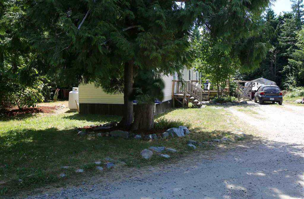 Main Photo:  in Halfmoon Bay: Halfmn Bay Secret Cv Redroofs Manufactured Home for sale (Sunshine Coast)  : MLS(r) # R2181818