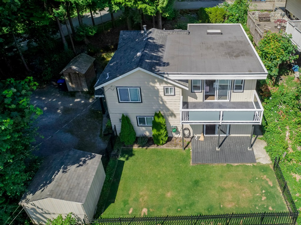 Photo 2: 1623 GORE Street in Port Moody: College Park PM House for sale : MLS(r) # R2186517
