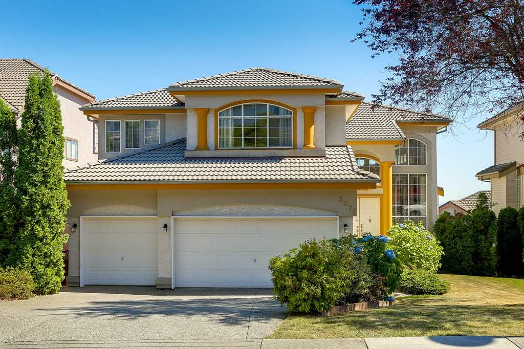 Main Photo: 3076 SANDPIPER Court in Coquitlam: Westwood Plateau House for sale : MLS®# R2192773