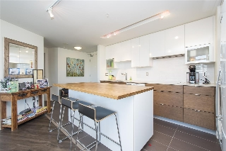 Main Photo: 1001 175 W 2ND Street in North Vancouver: Lower Lonsdale Condo for sale : MLS® # R2193397