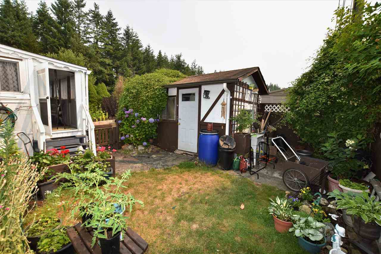 "Photo 17: 133 3031 200 Street in Langley: Brookswood Langley Manufactured Home for sale in ""Cedar Creek Estates"" : MLS® # R2194565"