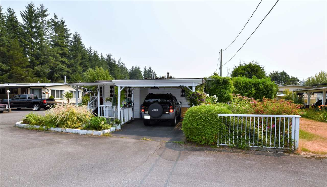 "Photo 18: 133 3031 200 Street in Langley: Brookswood Langley Manufactured Home for sale in ""Cedar Creek Estates"" : MLS® # R2194565"