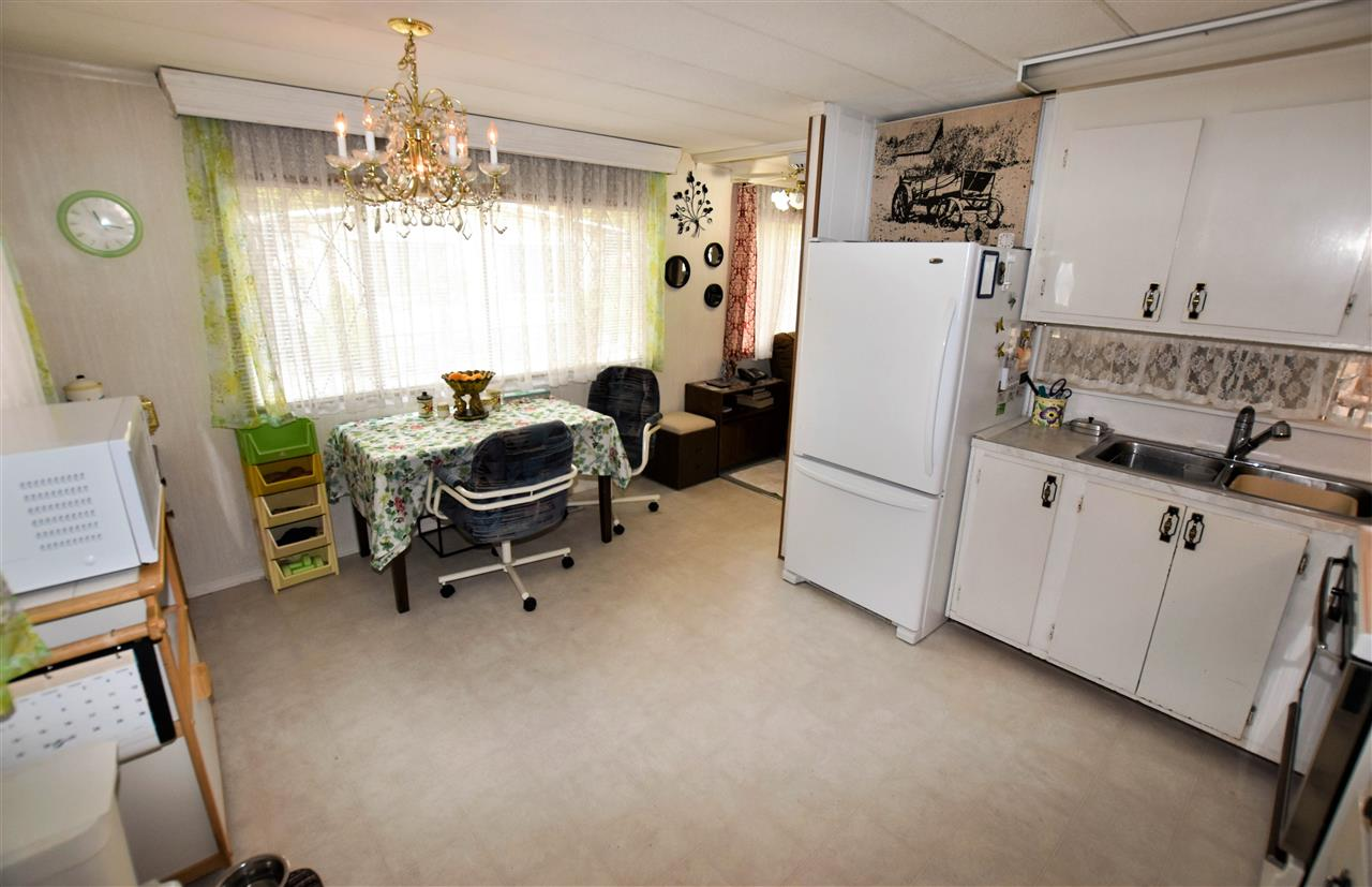 "Photo 9: 133 3031 200 Street in Langley: Brookswood Langley Manufactured Home for sale in ""Cedar Creek Estates"" : MLS® # R2194565"