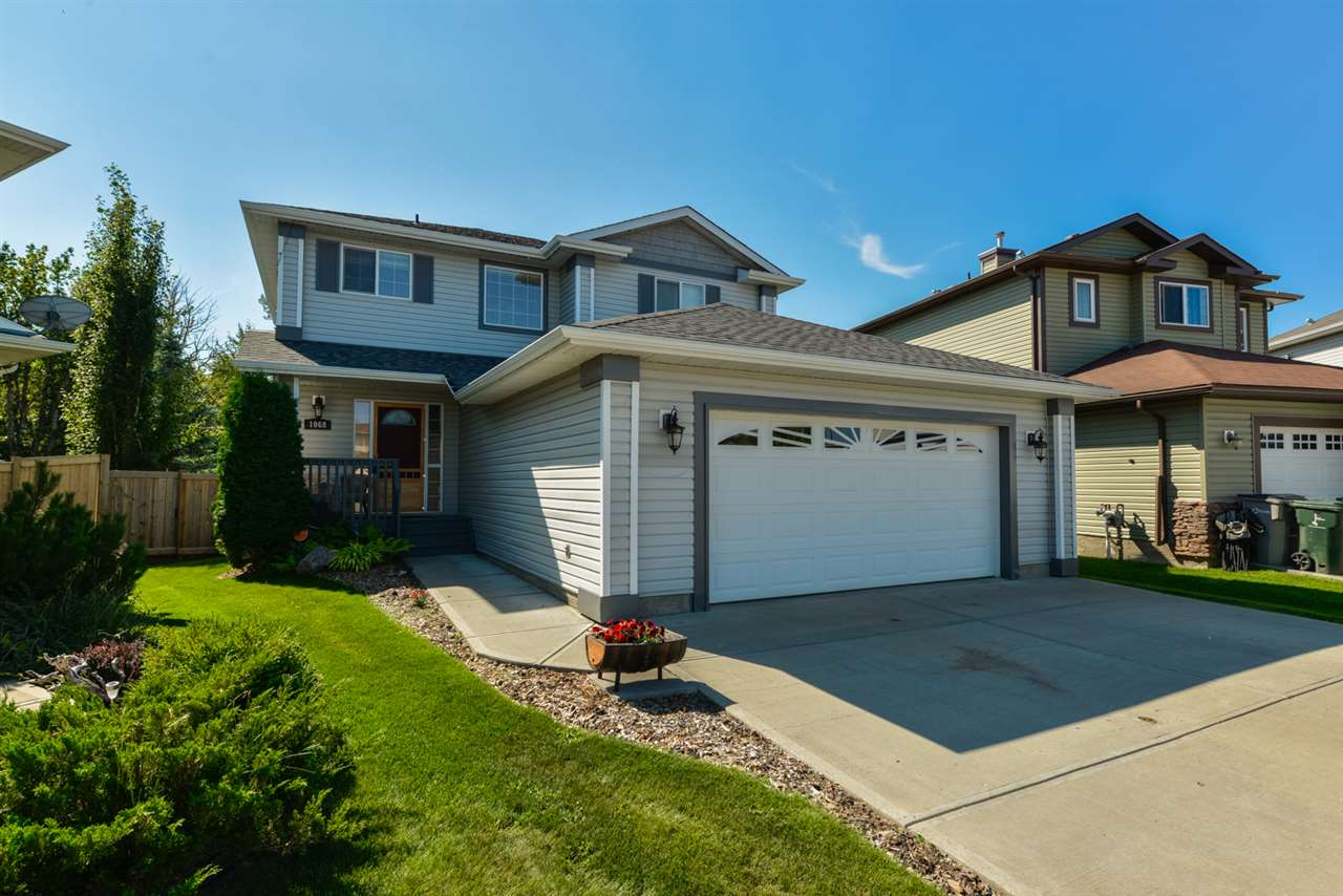 Main Photo: 1068 WESTERRA Drive: Stony Plain House for sale : MLS® # E4079043