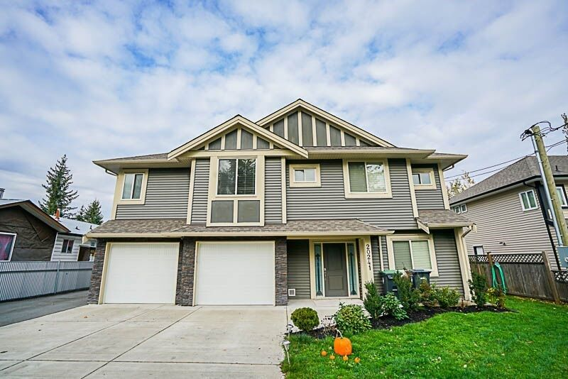 Main Photo: 1 20241 98A Avenue in Langley: Walnut Grove House for sale : MLS® # R2219783