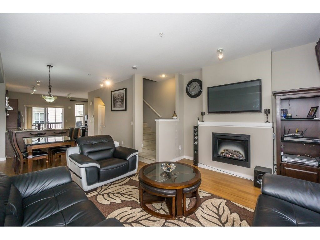 "Photo 4: Photos: 29 7938 209 Street in Langley: Willoughby Heights Townhouse for sale in ""Red Maple Park"" : MLS® # R2229002"