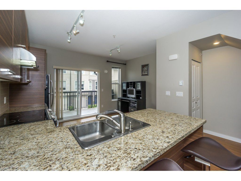 "Photo 13: Photos: 29 7938 209 Street in Langley: Willoughby Heights Townhouse for sale in ""Red Maple Park"" : MLS® # R2229002"