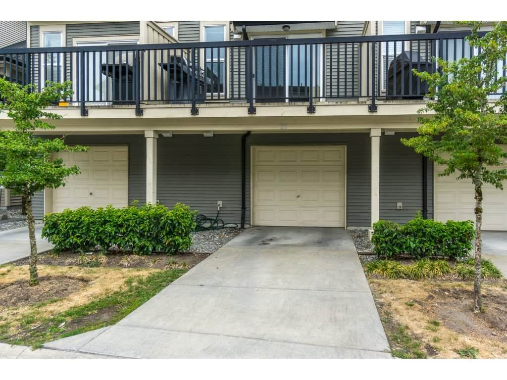 "Photo 3: Photos: 29 7938 209 Street in Langley: Willoughby Heights Townhouse for sale in ""Red Maple Park"" : MLS® # R2229002"