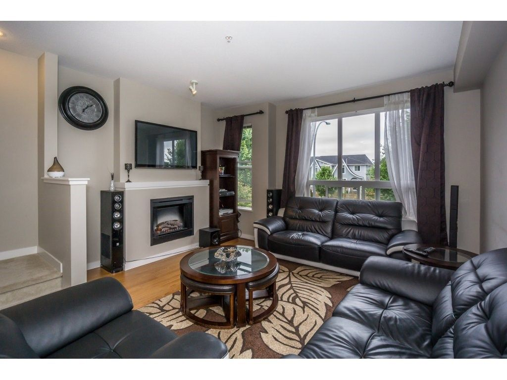 "Photo 5: Photos: 29 7938 209 Street in Langley: Willoughby Heights Townhouse for sale in ""Red Maple Park"" : MLS® # R2229002"