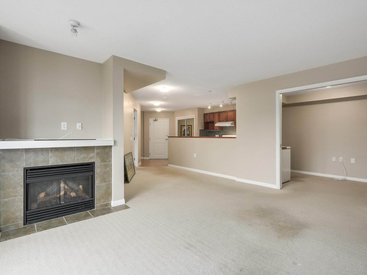 Photo 7: Photos: 226 8880 202 Street in Langley: Walnut Grove Condo for sale : MLS® # R2234850