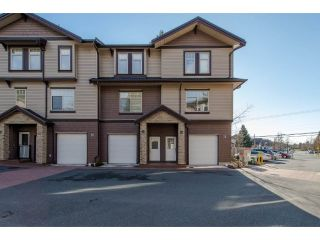 "Main Photo: 33 2950 LEFEUVRE Road in Abbotsford: Aberdeen Townhouse for sale in ""Cedar Landing"" : MLS® # R2248304"