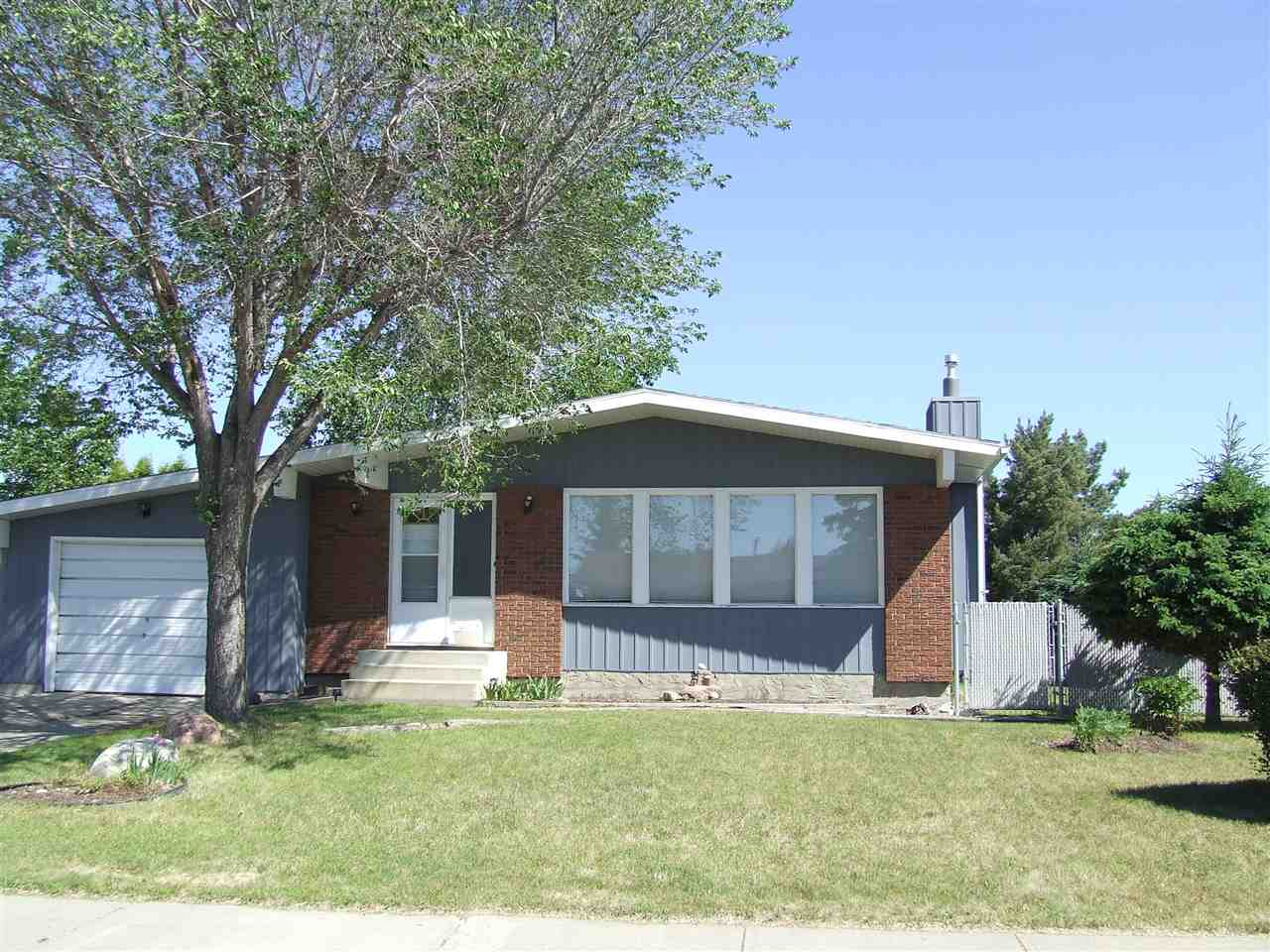 Main Photo: 4202 37 Avenue: Leduc House for sale : MLS®# E4116998