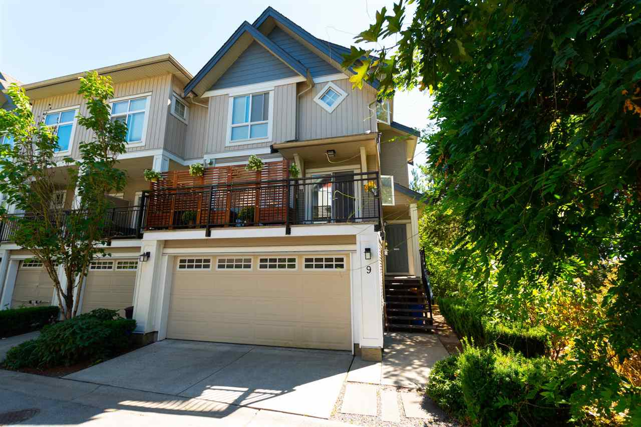 "Main Photo: 9 20120 68 Avenue in Langley: Willoughby Heights Townhouse for sale in ""THE OAKS"" : MLS®# R2296233"