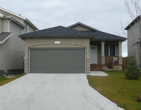 Main Photo: 47 Nordstrom Drive: Residential for sale (Island Lakes)  : MLS® # 2920118