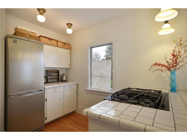 Photo 4: 4495 GLADSTONE ST in Vancouver: Victoria VE House for sale (Vancouver East)  : MLS® # V936815