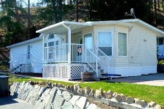 Main Photo: 21 6711 S Highway 97 in Peachland: Peachland - Central Okanagan Residential Detached for sale ()