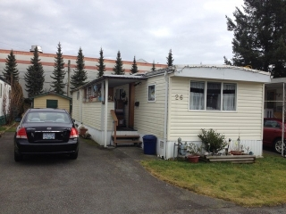 "Main Photo: 26 21163 W LOUGHEED Highway in Maple Ridge: Southwest Maple Ridge Manufactured Home for sale in ""VAL MARIE MOBILE HOME PARK"" : MLS® # V1045935"